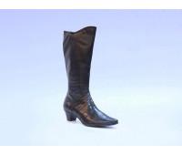 Демисезонные сапоги  Caprice кожаные черные