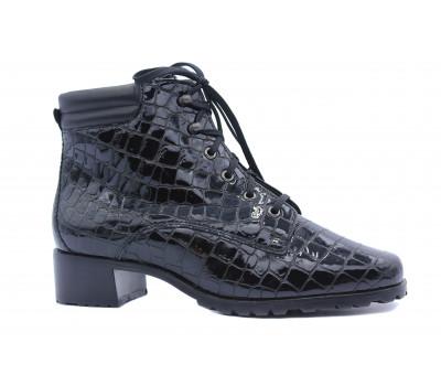 Демисезонные ботинки Hassia из кроколака черные 4-306393