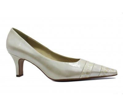 Модельные туфли Peter Kaiser из лакированной кожи бежевые 66763-847