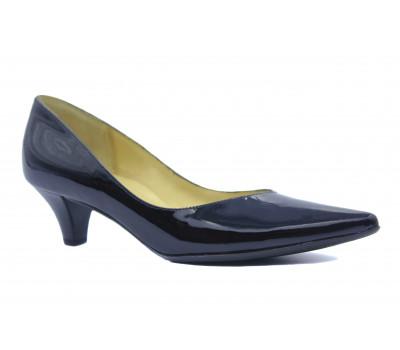 Модельные туфли Peter Kaiser из лакированной кожи черные 40813-010
