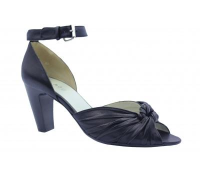 Босоножки Hogl кожаные черные 7-107421