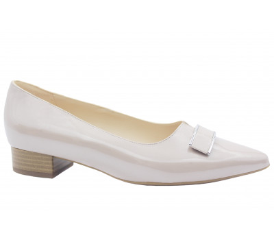 Модельные туфли Peter Kaiser из лакированной перламутровой кожи светло-бежевые 24525-501