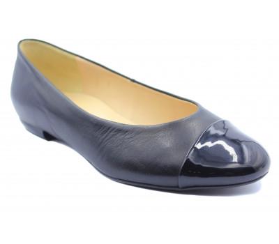 Балетки Hogl черные кожаные с лаковым мысом 0-121000