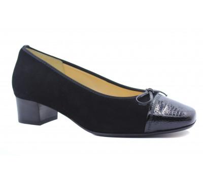 Модельные туфли Hassia кожаные черные с деталями  из лакированной кожи 8-303323