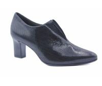 Демисезонные туфли Peter Kaiser черные из крека