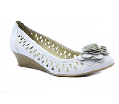 Балетки Caprice белые кожаные  22314-28
